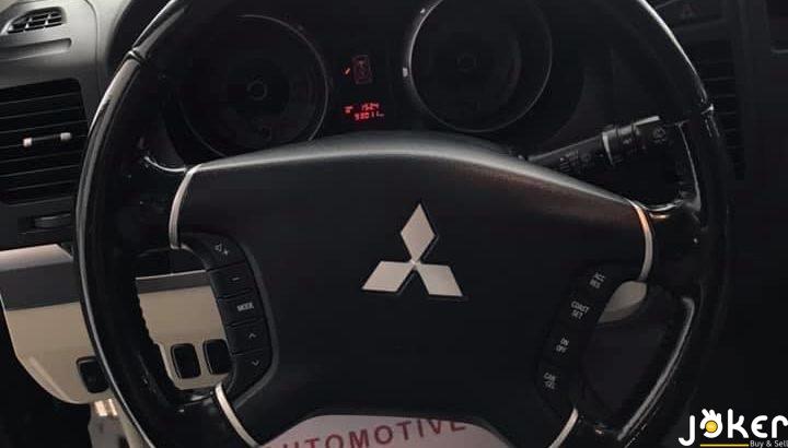 Mitsubishi Pajero 2012
